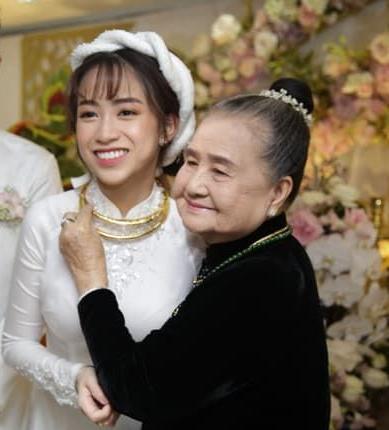 15 siêu xe gần 100 tỷ hộ tống ái nữ đại gia Minh Nhựa về nhà chồng