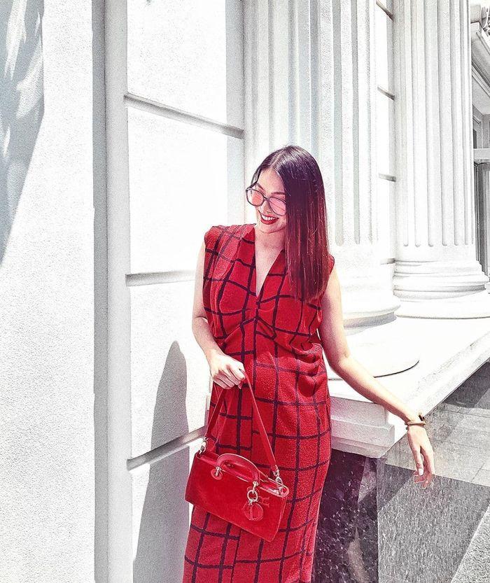 Lương Bằng Quang cosplay thỏ hồng, Ngọc Trinh đón tuổi 30 hoành tráng