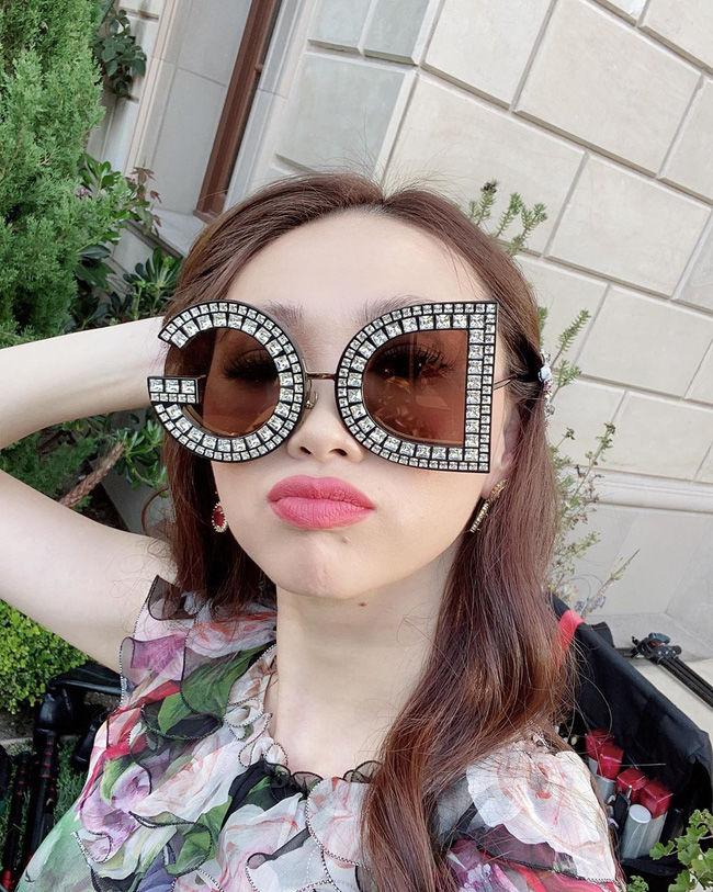Cô con gái nữ triệu phú gốc Việt Mimi Morris xinh đẹp chả kém hotgirl