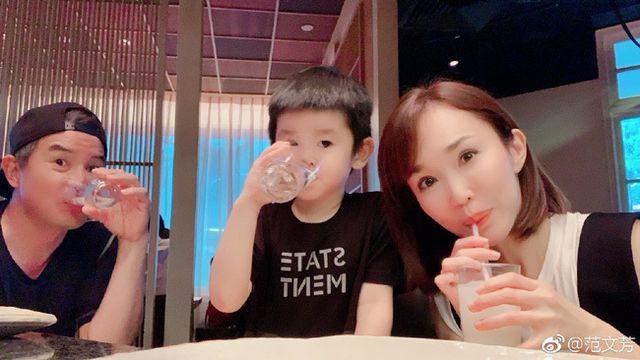 Cuộc sống hạnh phúc của cặp đôi Dương Quá - Cô Cô ngoài đời thực