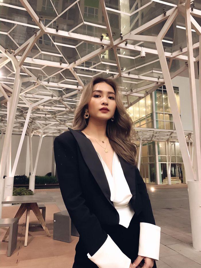 Khả Ngân lọt top 3 nữ diễn viên chính xuất sắc nhất tại LHP Việt Nam