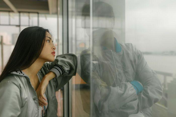 Khi người yêu cảm nắng đứa khác, CĐM: Chấp nhận thôi cuộc sống mà