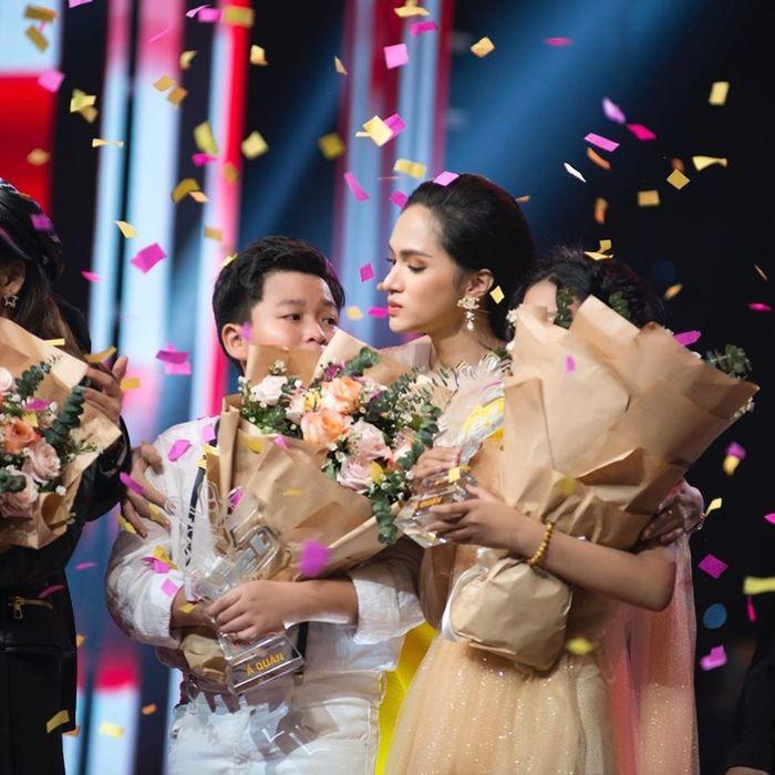 Hương Giang - Nữ hoàng đa sắc đầy triển vọng của showbiz Việt