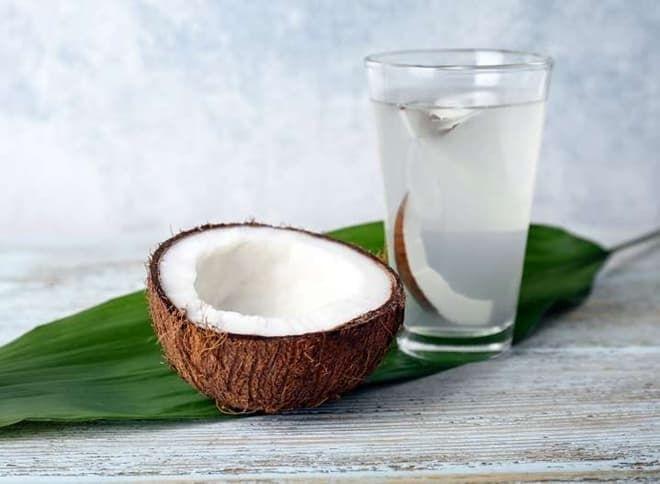 Nước dừa và 7thức uống cấp nước tốt hơn nước lọc mà nàng nên lưu tâm