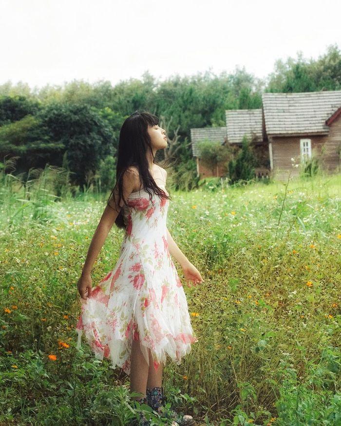 Học hỏi Trà Long Mắt Biếc phong cách ăn gian tuổi tác để hóa nữ sinh