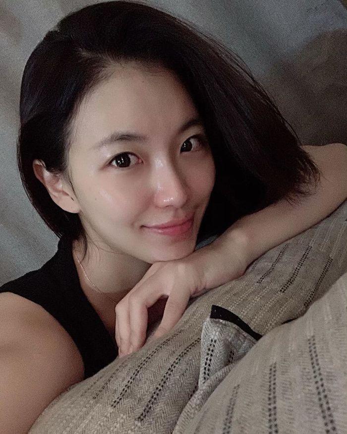 Bác sĩ Jessica Wu: Tuổi 20, 30 nên bổ sung vitamin C, E chống lão hóa