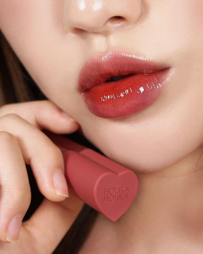 Kiểu son nàng chớ bỏ qua dịp Valentine: Đỉnh nhất là son có vỏ như túi