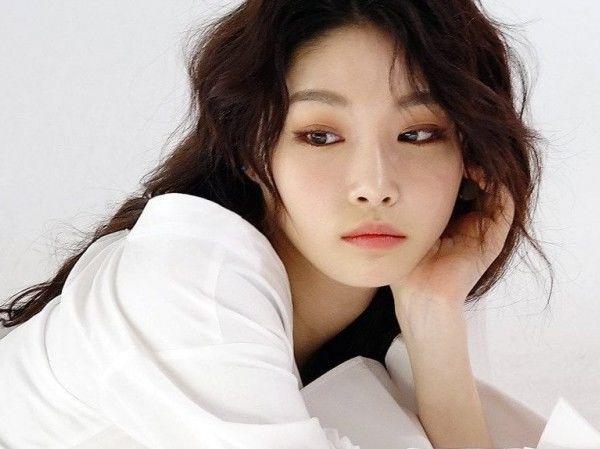 Idol nữ Kpop khiến fan tiếc hùi hụi vì nhan sắc dần khác xưa