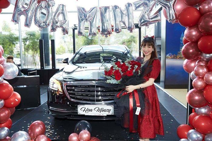 Khối tài sản của Hòa Minzy ở tuổi 26