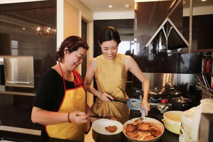 Khám phá mọi ngóc ngách trong căn hộ tầng 16 của Hoa hậu Khánh Vân