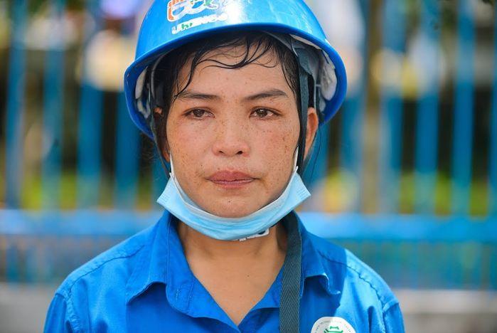Nữ công nhân thu gom rác bị nợ 6 tháng lương: Con nghỉ học vì xấu hổ