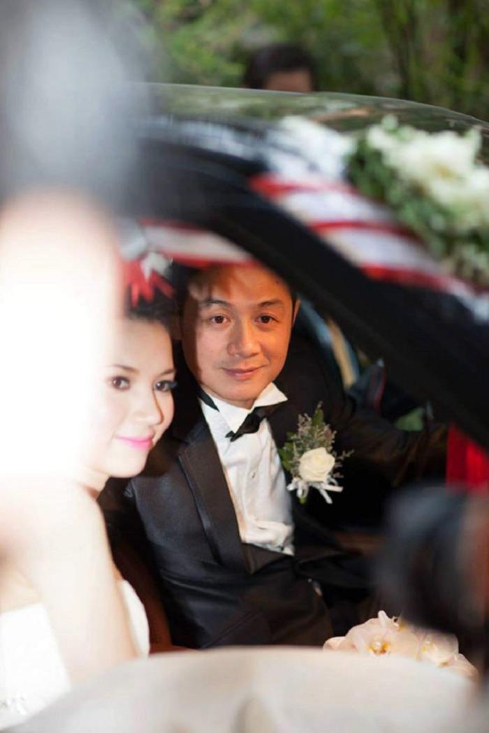 Cuộc sống hiện tại của MC Anh Tuấn: Hạnh phúc bên vợ kém 14 tuổi