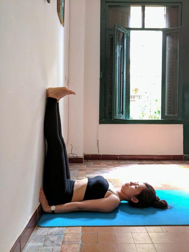 Duy trì 9 động tác tập với bức tường, eo ót thon gọn sau 2 tuần
