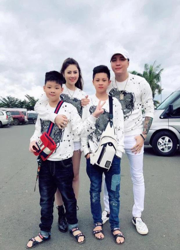 Sao Việt 24h: NTK Đỗ Mạnh Cường nhận người con nuôi thứ 9