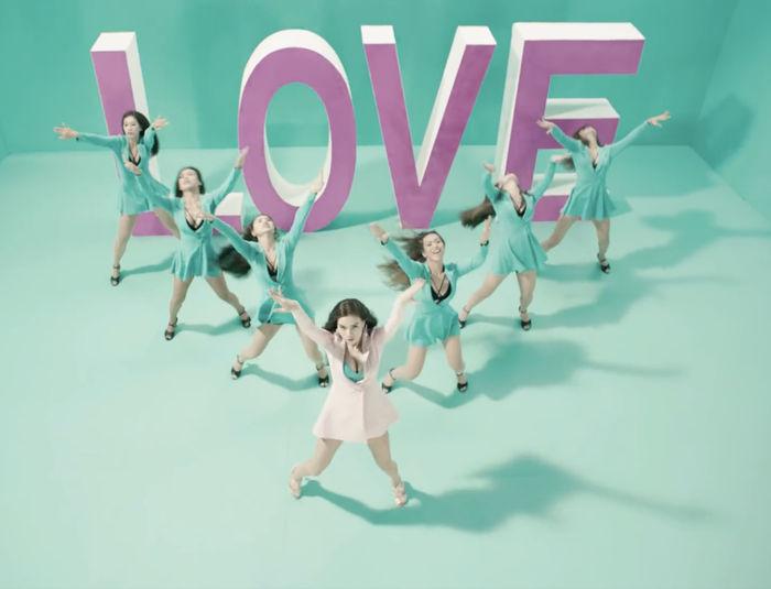 Top 10 nữ ca sĩ được mệnh danh là cỗ máy nhảy của Vpop: Hà Hồ top 6